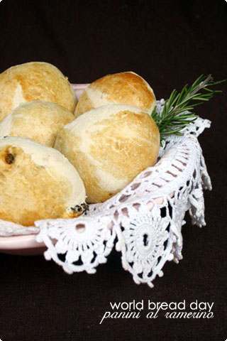 Tuscan rosemary and raisin bread for world bread day